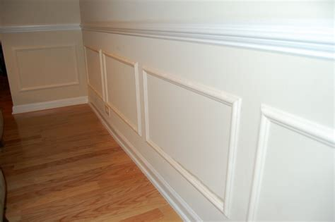 Building Wainscoting by Remodelaholic Wainscot Diy