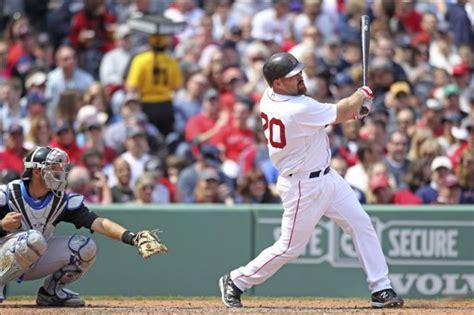 imagenes medias rojas de boston en la iamgen el beisbolista kevin youkilis de las medias