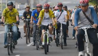 Bike To Work Di Jakarta jokowi goes bike to work metro tempo co