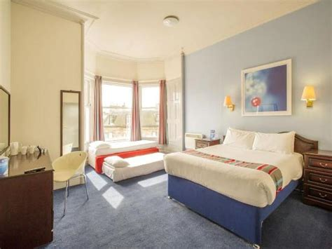 family hotel rooms edinburgh travelodge edinburgh haymarket hotel updated 2017 reviews price comparison scotland