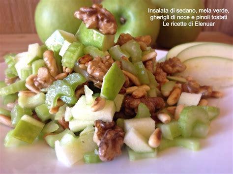 insalata di mele e sedano insalata di sedano mela verde gherigli di noce e pinoli