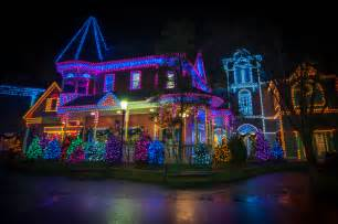 christmas lights at dollywood christmas decorating