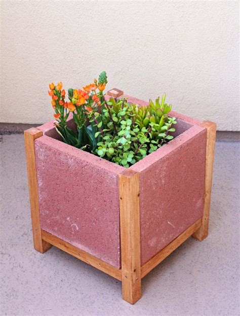 Paver Planters by Easy Diy Project Build A Paver Planter Brite And Bubbly