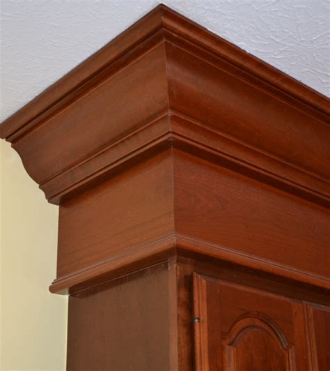 Crown Molding Cincinnati Lou Vaughn Remodeling Decorative Molding Kitchen Cabinets