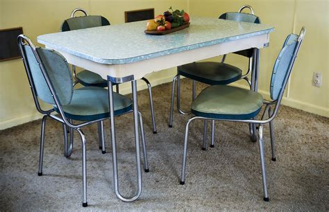 file set dinner table jpg wikimedia commons file a modern dinner set table and chairs in a beach