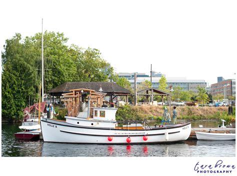 the center for wooden boats wedding ellen chris tara - The Center For Wooden Boats Wedding