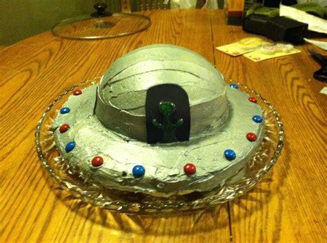 ufo cake cakes  cupcakes    pinterest cakes  ufo