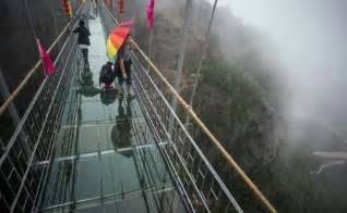 500 Square Meter China S New Glass Bottom Bridge Cracks 3 500 Feet Above