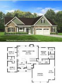 how much to build a 2 bedroom house square house plans 40x40 the makayla plan has 3 bedrooms and 2 baths in a split plan format