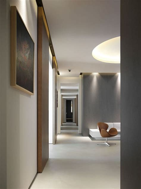 piquadro sede grey accent walls light ceilings and floors picture