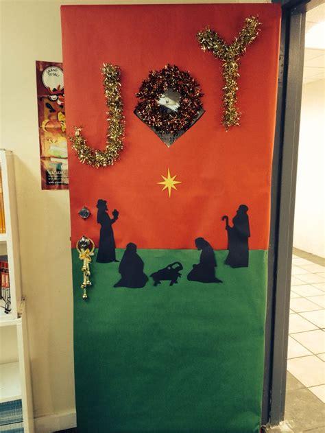 christmas themed doors christmas themed school door decor christmas pinterest