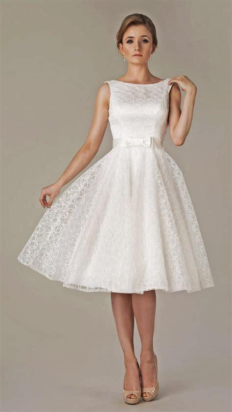Brautkleider 50er Stil kurzes brautkleid 50er jahre stil mit u boot ausschnitt