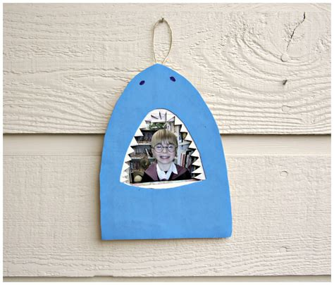 shark craft projects tutorial shark bite picture frame 187 dollar store crafts