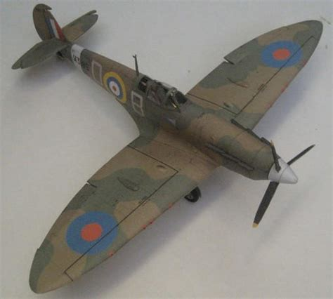 How To Make A Paper Spitfire - wwii spitfire mk va fighter free aircraft paper model