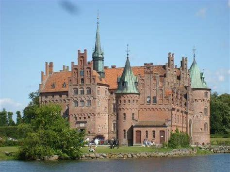 funen denmark egeskov castle funen denmark picture of egeskov