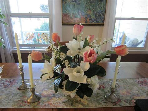 Dining Room Floral Arrangements by Dining Room Flower Arrangements Daodaolingyy