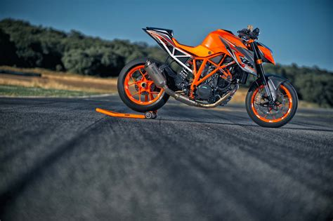 Ktm 1290 Superduke The Genesis Of The Ktm 1290 Duke R Asphalt