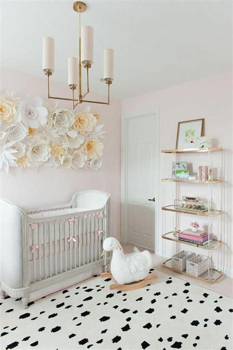 bett deko babyzimmer deko papierblumen zum basteln dekoration f 252 r