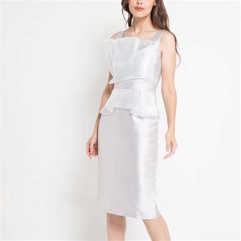 Pakaian Wanita Pre Loved 12 dress pesta silver putih gaun gown olagortw preloved fesyen wanita pakaian wanita di carousell