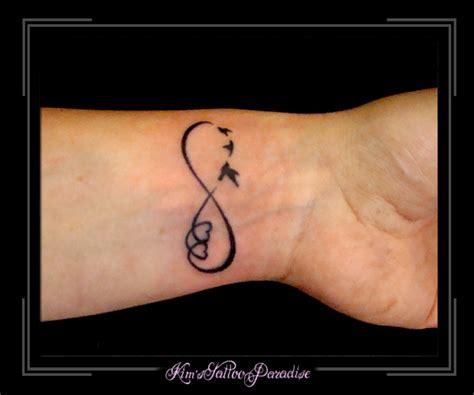 infinity tattoo zijkant pols tattoo vogeltjes vrouwen een weblog over met