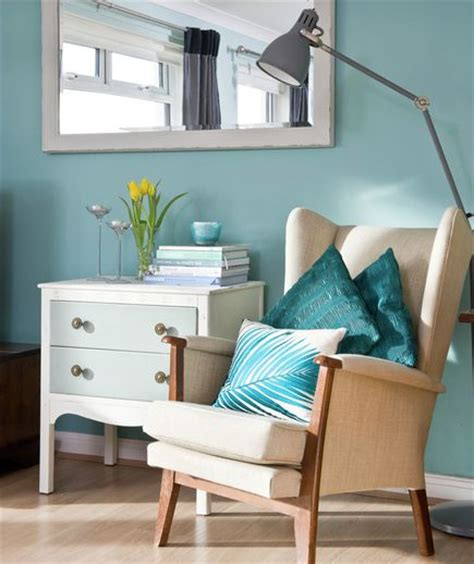 colorful decorating ideas for a small room armchairs