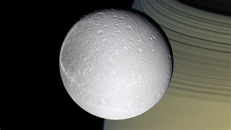 who discovered saturn and when was it discovered oxygen discovered around saturn s icy moon