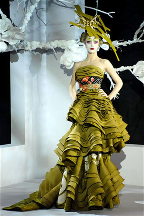 Show Report Haute Couture Ss 07 Christian by Christian Summer 2007 Couture Vogue