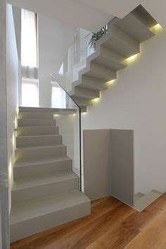 faltwerktreppe stahl treppe fugenlos beton cire licht unikat betonoptik