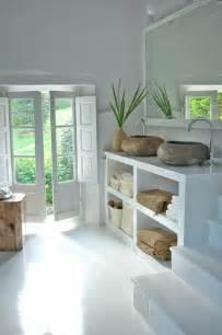 Good Deco Carrelage Salle De Bain #2: 1-salle-de-bain-bambou-idees-salle-de-bain-zen-couleur-blanche-idee-deco-salle-de-bains.jpg