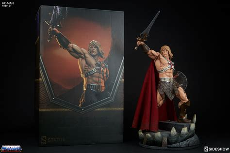 of he and the masters of the universe masters of the universe heman statue by sideshow