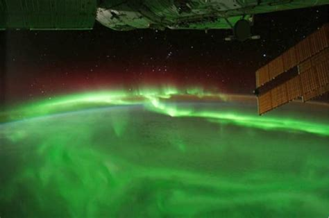 auroras from space pictures aurora from iss orbit nasa