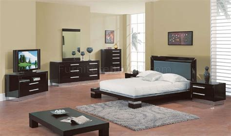 wenge high gloss finish modern bedroom set w silver accents