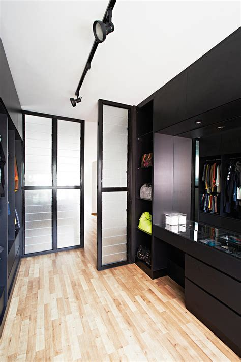 Walk In Wardrobe Hdb by 7 Ways For Walk In Wardrobes In Hdb Flats Home Decor