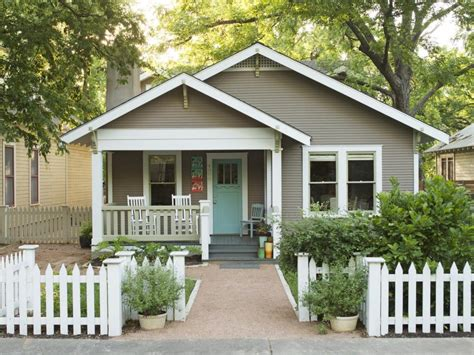 Paint Colors For Cottage Style Homes by Homes With Great Curb Appeal In Hgtv