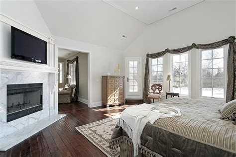 28 master bedrooms with hardwood floors 28 master bedrooms with hardwood floors page 2 of 6