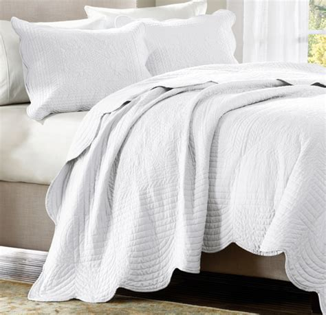 White Quilts by Tuscany White Matelasse Quilt Set
