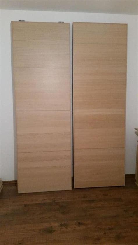 weißer kleiderschrank schiebetüren wohnzimmer welche farben