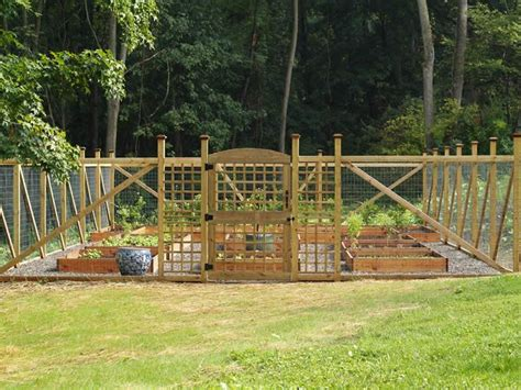 Vegetable Garden Fence Ideas 107 Best Images About Garden Fences On Pinterest Garden Fencing Arbor Gate And Arbors