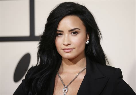 famous singers 2016 names demi lovato 24th birthday singer s most inspirational quotes