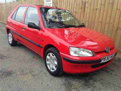 peugeot 106 5 porte peugeot 1997 p 106 1 1 xl 5 door only done 38k 52 3 mpg