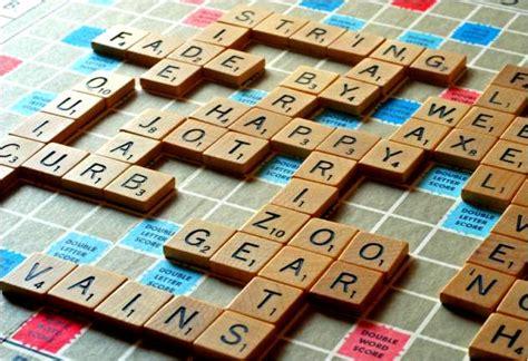 formare parole con delle lettere ruzzle e wordament giochi di parole in app da domani