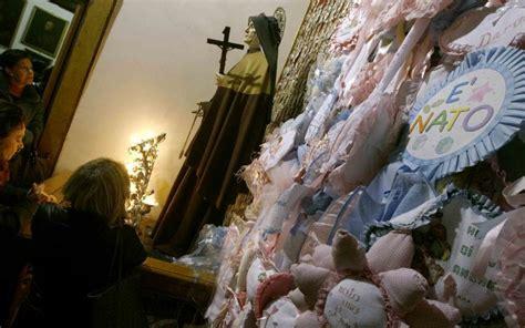 santa sedia della fertilit foto santa delle cinque piaghe il rito