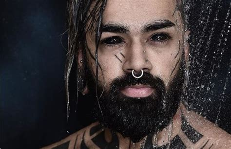 tattoo eyeball indian first indian to tattoo eyeballs makes history