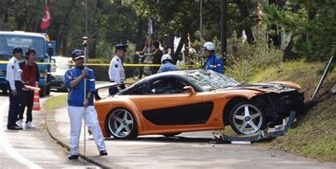 fast in japanese fast and furious mazda rx 7 veilside fd3s crashes into