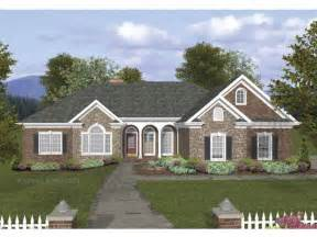craftsman home plans 2000 square feet craftsman house plan with 2000 square feet and 4 bedrooms