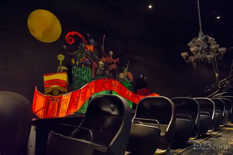 zero in on what s new at disneyland s haunted mansion d23