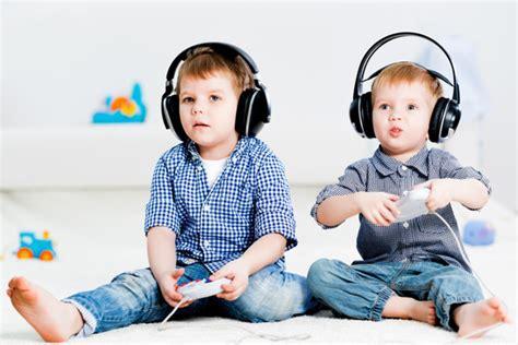 mal di testa bimbi mal di testa bambini connettis