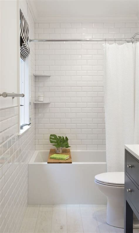 White Subway Tile Bathroom Ideas by 25 Best Ideas About Subway Tile Bathrooms On