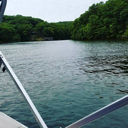 four seasons lake of the ozarks boat rental leisure lake charters lake ozark all you need to know