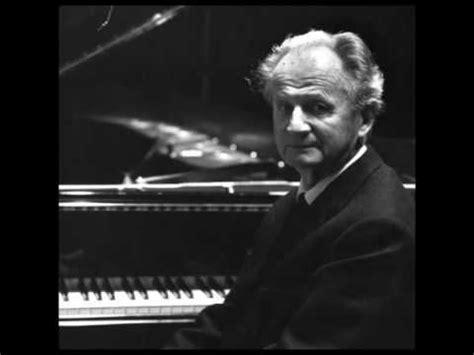 barenboim plays beethoven pathtique sonata no 8 in c wilhelm kempff plays beethoven s moonlight sonata mvt 1